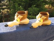 Looney Tunes Wile E Coyote Plastic Drinking Cups.set of two. 1993 KFC Promotion