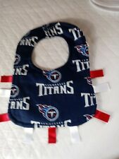 NFL TENNESSEE TITANS INFANTS QUILTED BIB WITH RIBBONS
