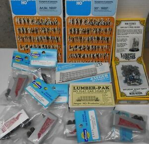 HO Scale Athearn trailers, Preiser figures, 2 lumber loads & more