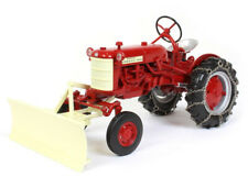 INTERNATIONAL HARVESTER FARMALL CUB TRACTOR W/CHAINS 1/16 MODEL SPECCAST ZJD1848