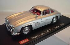 Schuco 1/43 Mercedes Benz 300 SL silbermetallic 1954/57 in Plexi Box #1453