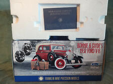 Franklin Mint-Bonnie & Clyde's 1932 Ford V-8 Convertible / Hardtop 1:24 Scale
