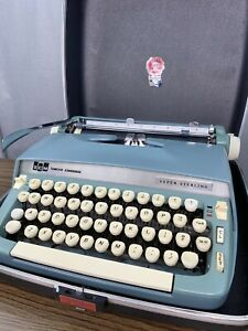 Smith Corona SCM Vintage Metal Super Sterling Light Blue Typewriter w/ Hard Case