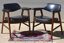 Vintage 1970 Set of 2 Paoli Mid-Century Danish Modern Chairs Juhl Chieftain