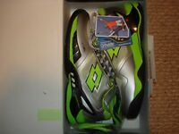 NIB Lotto Raptor EVO Speed Men's Tennis Shoes R7098 Silver
