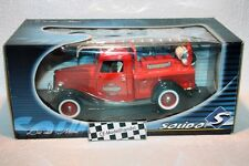 Ford V8 Fire Engine Truck Seattle FD • Solido • 1:18