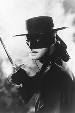 Guy Williams As Don Diego De La Vega/Zorro In Zorro 11x17 Mini Poster