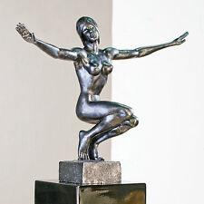Abstrakte Deko-Skulpturen & -Statuen aus Kunststoff