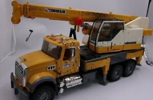 Bruder Liebherr Mack Crane Truck 2007 Construction Vehicle Towing Germany