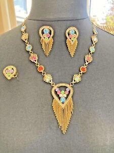 Bright gold-tone sparkling rhinestone teardrop tassel jewellery set S001