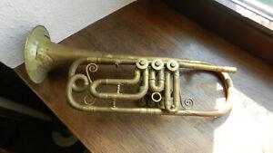 Antike Trompete zum restaurieren