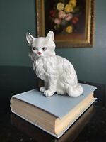 Vintage LEFTON Persian White Cat Kitty with Blue Eyes Figurine Statue Porcelain