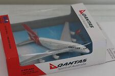 Brand New Qantas Airbus A380-800 Toy Die cast Plane 1:500 Daron 15cm RT8538