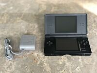 Nintendo DS Lite NDSL Onyx Black Console Game System in Working Condition!