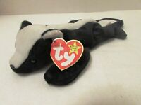 TY STINKY the SKUNK~  RETIRED BEANIE BABY- MINT with MINT TAGS