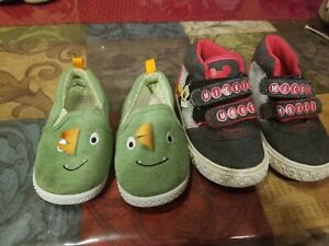 Boys Disney Mickey Mouse  Sneakers Shoes & Dinosaur size 6.