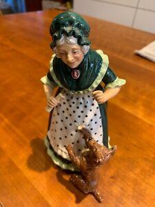 Vintage Royal Doulton Figurine - Old Mother Hubbard - HN #2314 Excellent Shape