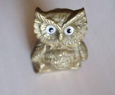 bibelot un petit Hibou très jolie en laiton 3X3.5X4.5 cm , poids 82 grammes .D8