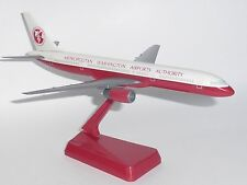 Boeing 757-200 Washington Airports Authority 1990's Wooster Model Scale 1:200