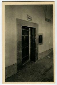 CPSM 38 Isère Monastère Grande Chartreuse Porte d'une cellule