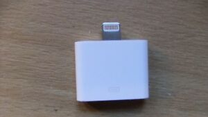 Genuine Apple Lightning To 30-Pin Adapter MD823 For ALL Bose 30 Pin SoundDocks