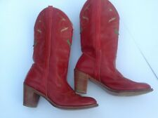 Vintage DINGO COWBOY WESTERN BOOTS Red with Stitching & Nice Detailing Size 8 M