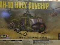 REVELL UH-1D HUEY 85-5536 ⭐PARTS⭐ STRBD CABIN /& TAIL HALF+TAIL ROTOR+MORE  1//32