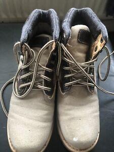ladies CANVAS Upper Balance CATERPILLAR SIZE 5/ 38 Boots