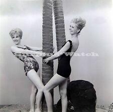 B/W 6x6 Negative x4 1950s 1660s  2 Blonde  Models Posing ref c/27
