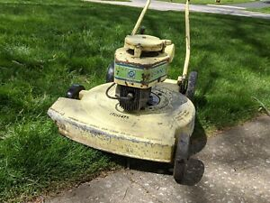 Lawn Boy Buttercup Model 3002 - Good Running Condition