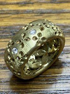 Roberto Coin Diamond Ring Band Floral Cut  18k Yellow Gold Satin Finish size 6.5