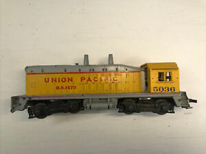 ATHEARN HO SCALE UNION PACIFIC EMD NW2 SWITCHER LOCOMOTIVE D.S.1870 FRANKENSTEIN