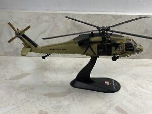 BLACK HAWK...(U.S Army)Diecast Model & Mag 1:72 Helicopters
