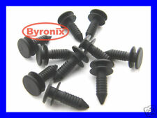 LAND ROVER DISCOVERY REAR DOOR TRIM CLIPS    X10