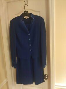 St John Evening Blue Suit Santana Knit 4