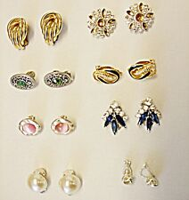 VINTAGE EXQUISITE COLLECTION OF 8 CLIP EARINGS GROUP A  DIAMANTE GLASS LUCITE