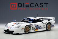 AUTOART 89772 PORSCHE 911 GT1 24HRS LEMANS 1997 #25 1:18TH SCALE