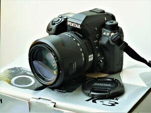 Pentax  K-3 24 MP Digitalkamera - Schwarz  mit  SMC Pentax DA 18-135mm ED WR