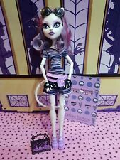 More details for 💖 monster high scaris catrine demew