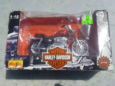 Harley Davidson MOTORCYCLE  MAISTO XL 1200C CUSTOM SPORTSTER 1200