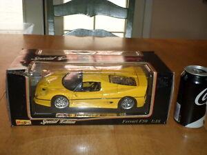 FERRARI F50 { 1995 }, DIE CAST METAL FACTORY MADE TOY CAR, Scale: 1/18