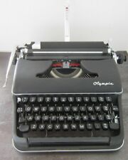 Olympia SM2 1956 QWERTY Manual Portable Typewriter & Case & New Ribbon