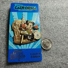 Disney Pin on Pin Minnie Mouse Carthay Circle Theater Annual Pass PBK09 01 MMT
