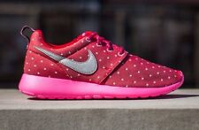 Nike Roshe run print  Women's Running Shoes size 6 Youth = 7.5 Women