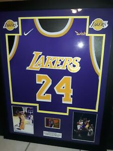 KOBE BRYANT FRAMED JERSEY  REPRINT AUTO  SIGNED 1/1  LOS ANGELES LAKERS 24 LQQK