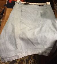 NWT Gloria Vanderbilt Ladies Size 24 Blue and white striped jeans shorts