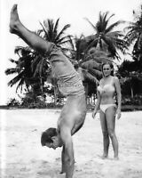 """SEAN CONNERY & URSULA ANDRESS ON THE BEACH SET OF """"DR. NO"""" - 8X10 PHOTO (ZZ-340)"""