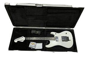 Washburn N4 Nuno Bettencourt Limited Edition White Model