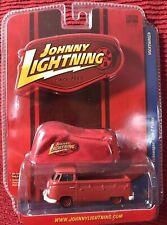 JOHNNY LIGHTNING Lmt Ed - VOLKSWAGEN - '64 Type 2 Pickup ~ w/ Car Cover ~ 1/64