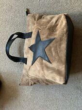 Gamuza Cuero acarreo Bolso Estrella con asas de correa extendida profundo color arena Grab